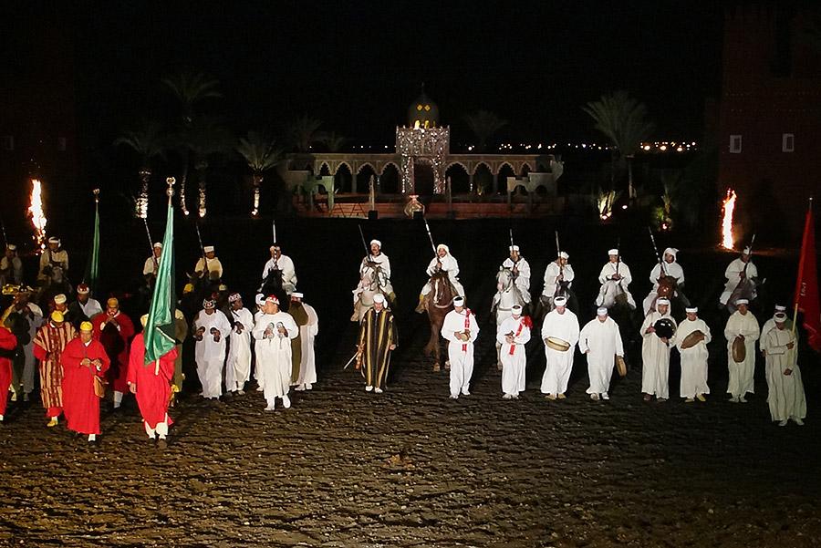 Assistir Ao Espectáculo Cultural Fantasia De Marrakech Em Marrocos