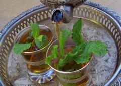 Servir o Chá de Marrocos