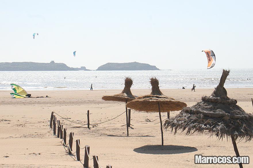 Praia de Essaouira em Marrocos