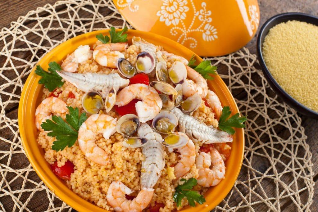 Receita de cuscuz com peixe e camarão
