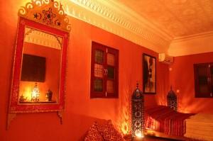 Quarto com decoração marroquina