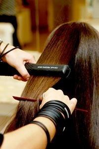 Alisar o cabelo com marroquina