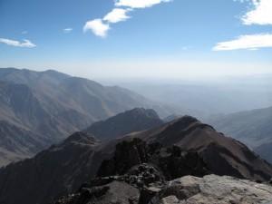 Vista do topo do Toubkal em Marrocos