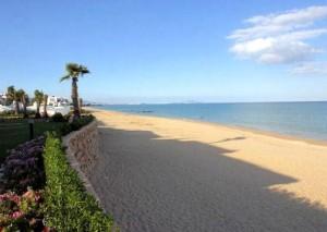 Praia da Baía Tamuda em Marrocos