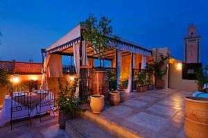 Tenda num terraço em Marrocos
